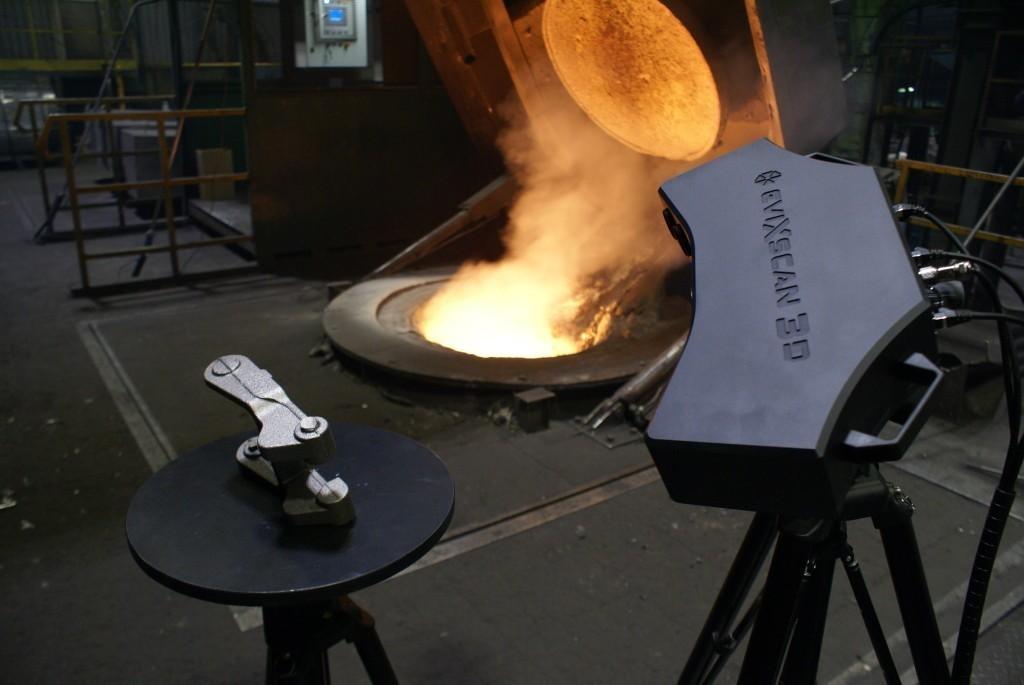 Skaner 3D Heavy Duty Quadro podczas skanowania w odlewni